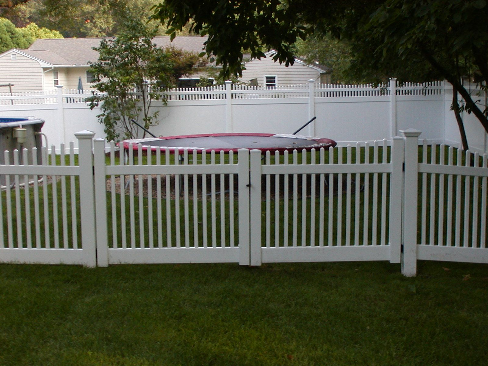 Composite Pvc Fence For Sale In Seattle With Images Pvc Fence
