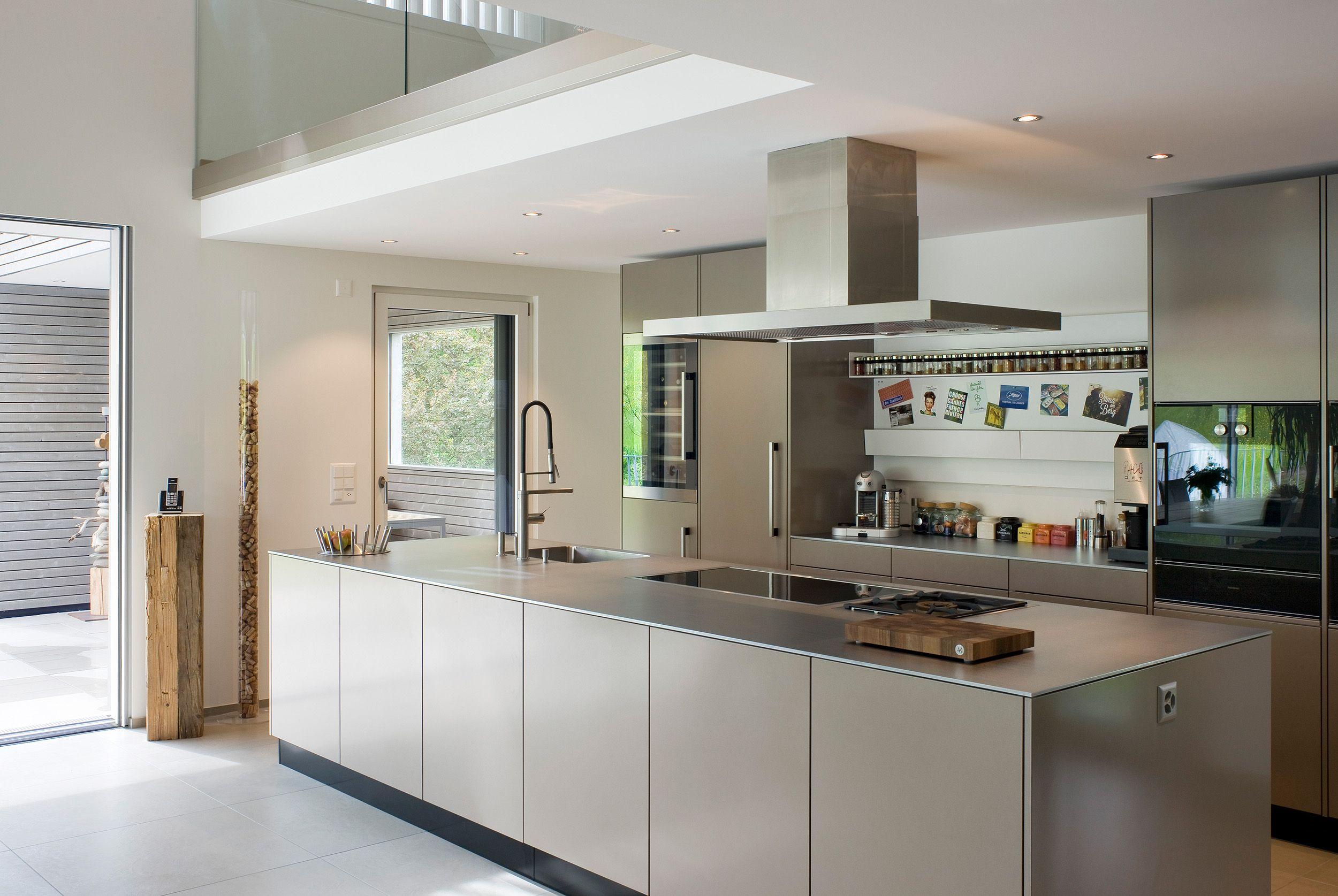 Forster - Schweizer Stahlküchen  Küche