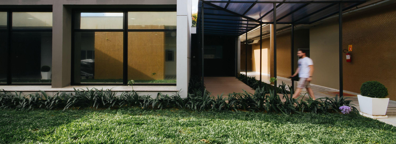 Núcleo Senai Sustentabilidade arqbox fachada ventilada, woodframe
