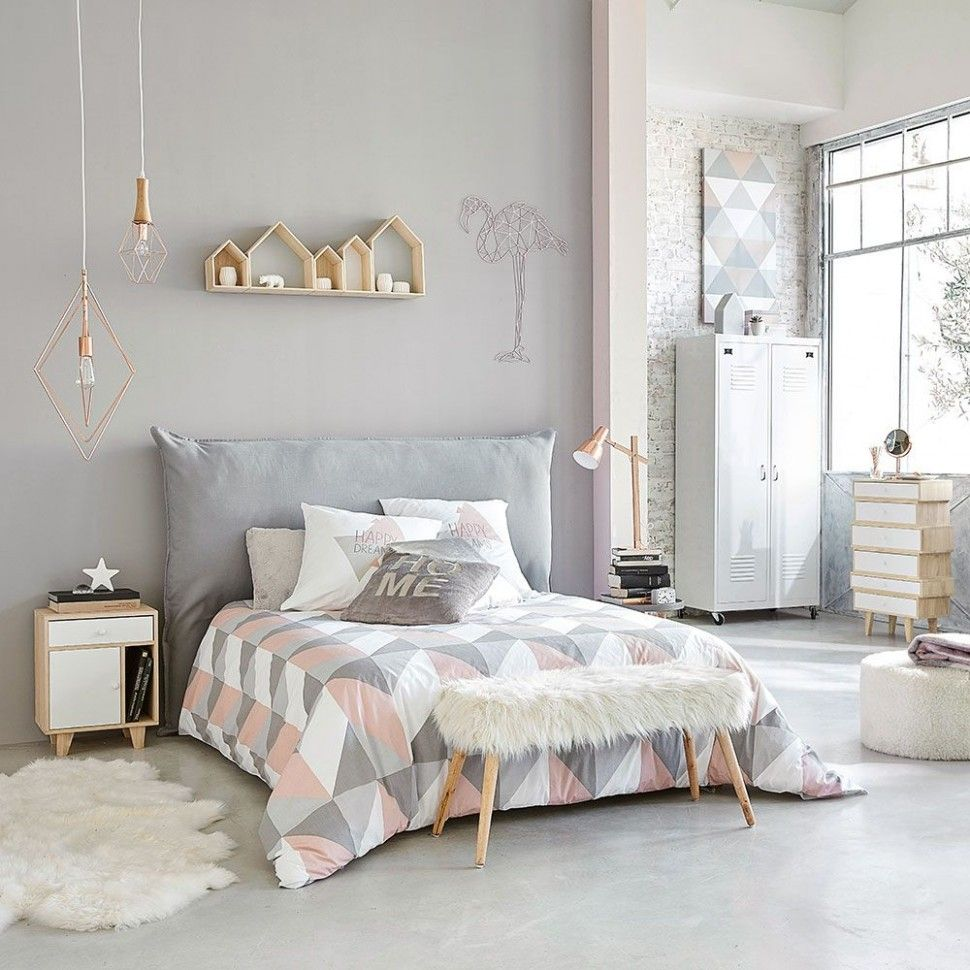 Grey And Pink Bedroom Ideas Uk A Adeptness Homeowner Has Appear How He Adapted His Address Into An Bedroom Furniture Makeover Bedroom Vintage Bedroom Interior