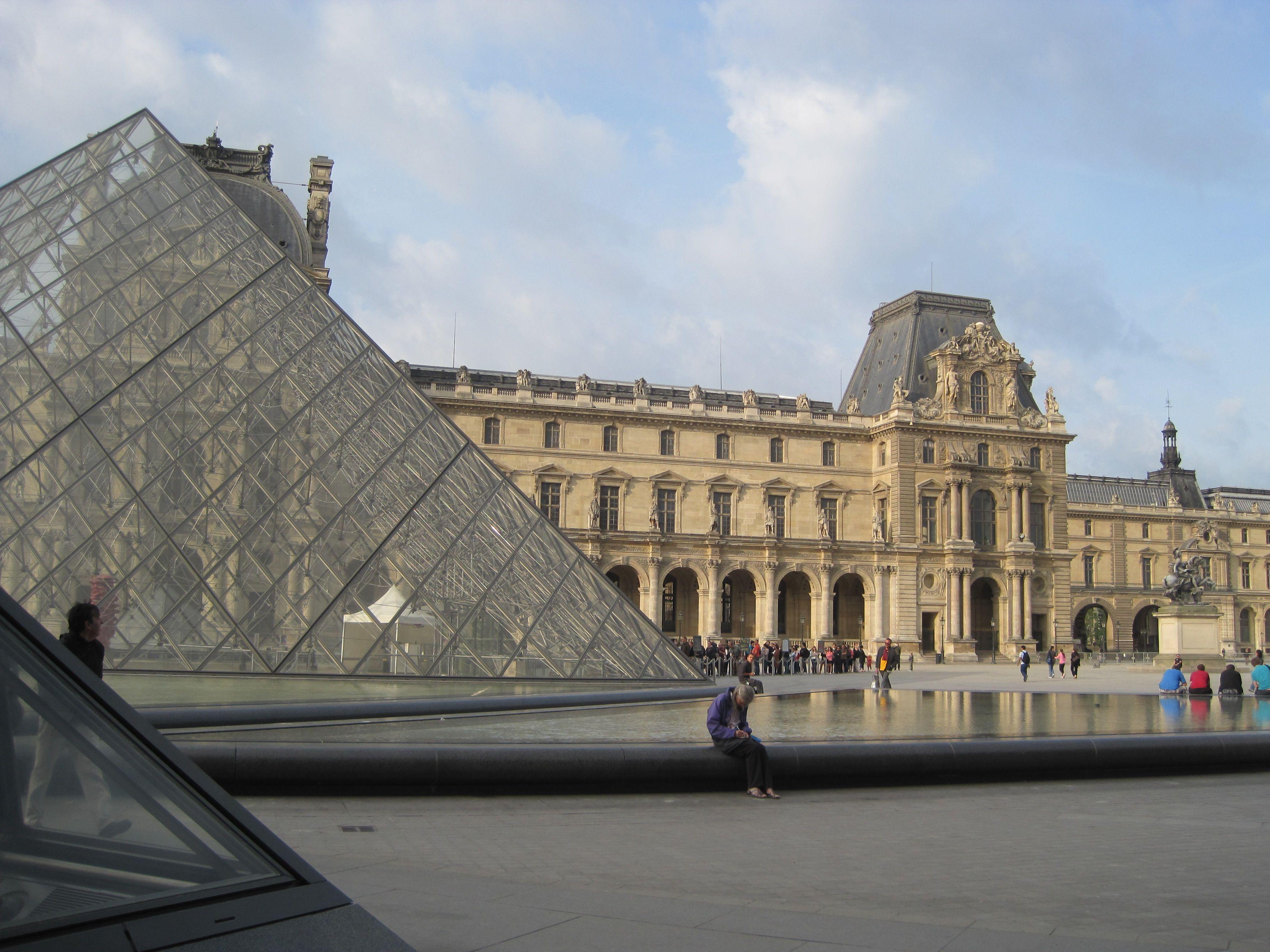 *Louvre, paris