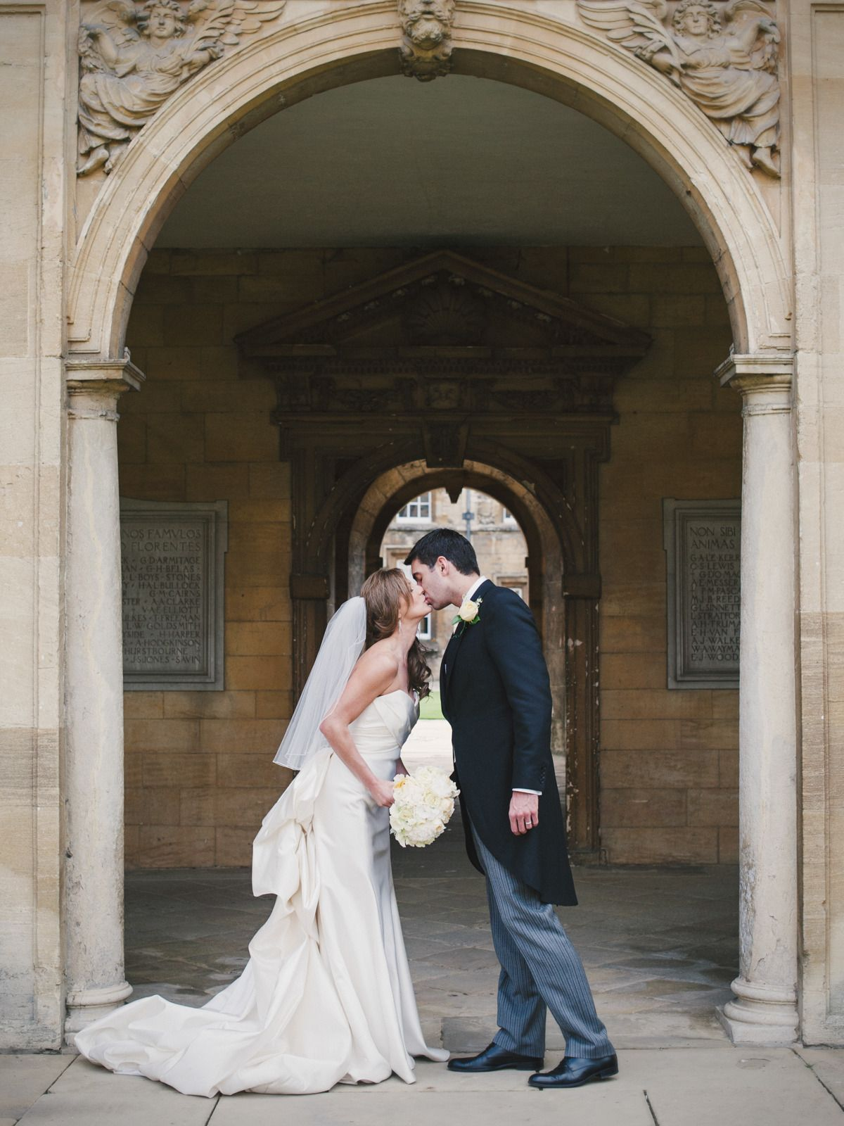 Classic english wedding at the bodleian library weddings uk bride