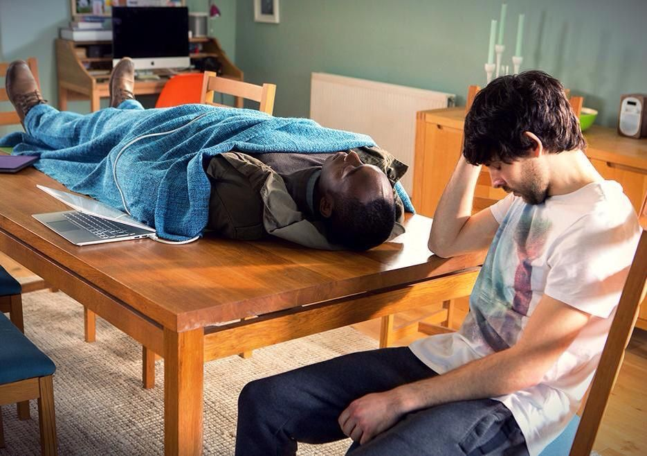 New promo pic of #ColinMorgan as Leo & @ivannojeremiah as Max in episode 7 of #Humans. Source: http://www.amc.com/shows/humans
