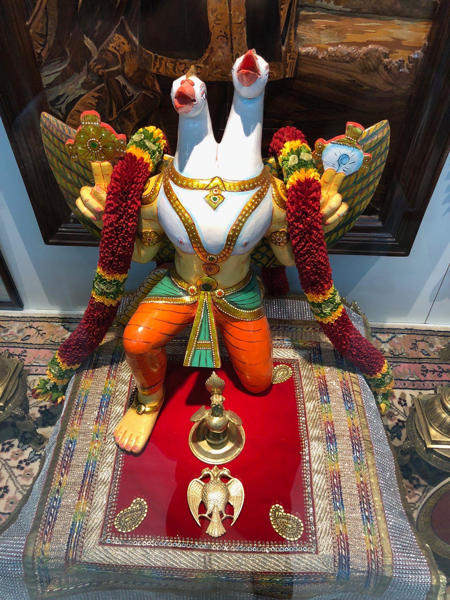 Gandaberunda The Two Headed Be Runda Bird Garuda A Fierce Form