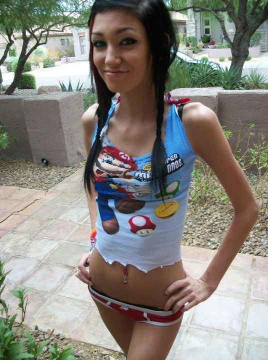 Skinny nerdy girl