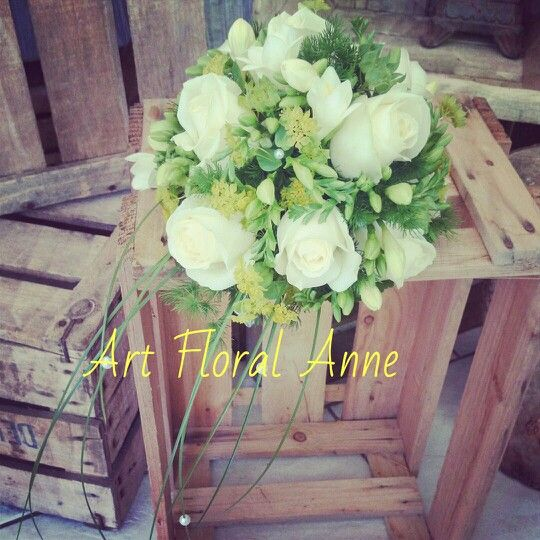 bouquet de mari e blanc et vert avec rose freesia wedding. Black Bedroom Furniture Sets. Home Design Ideas