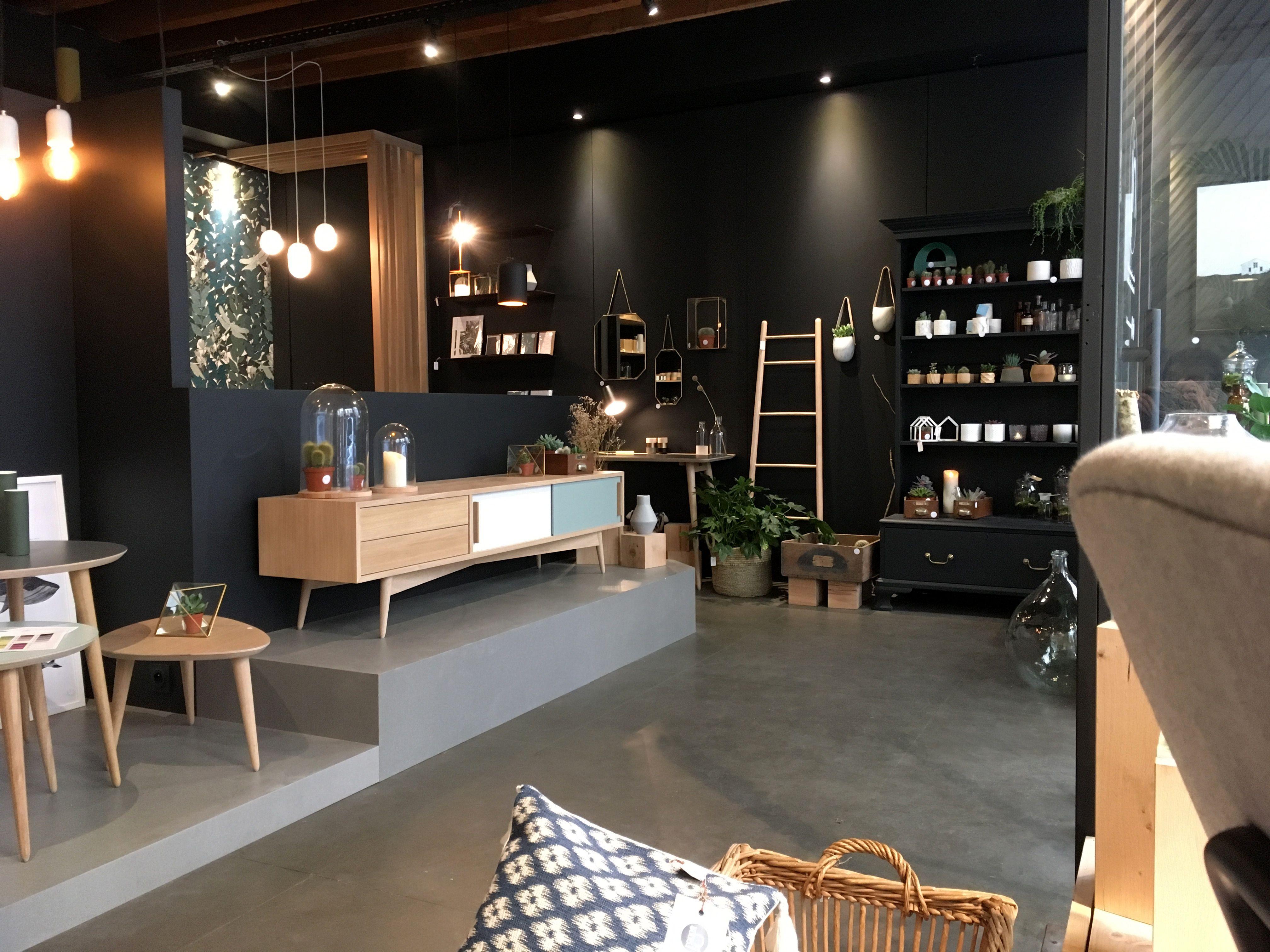 Retrouvez Les Meubles Des Gentlemen Designers A La Boutique Concept Store Influences A Lyon 43 Rue Auguste Comte Mobilier Tendance Conceptstore Surmesure