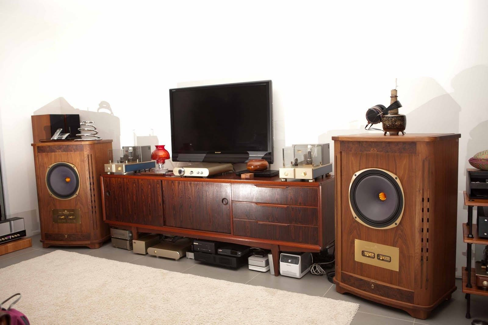 High End Audio For The Passionates Beautiful setup with the WAVAC PR-T1 preamplifier and MD-805 mono block amplifiers driving a pair of TANNOY Canterbury speakers.