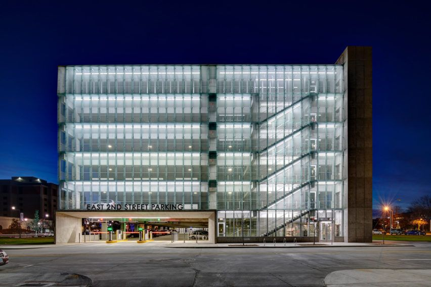East 2nd Parking By Neumann Monson Architects Parking Building Parking Garage Glass Building