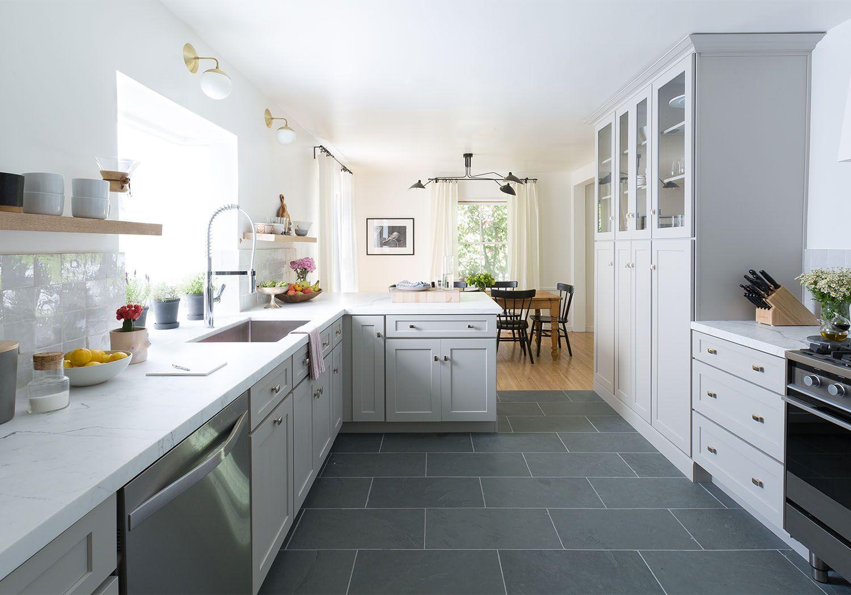 From Retro To Refreshing A Stunning Kitchen Transformation Kuchenrenovierung Kuche Retro Moderne Kuchenideen