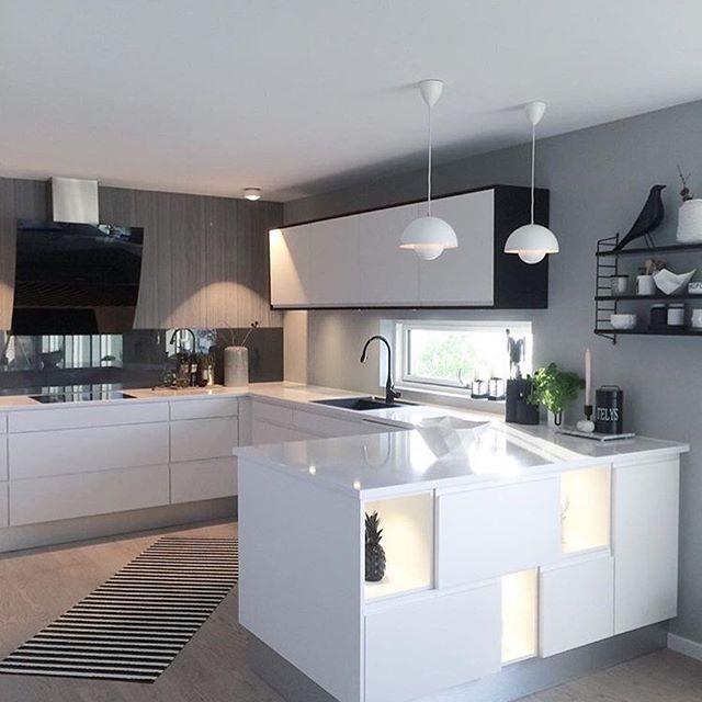 Jeg elsker kjøkken som ikke er A4✔️ Rålekkert hos @casacathrine #gofollow  Denne dama kan sine saker ____________________ #inspiration #notmypic #kitchen #kitchendesign #jkedesignas #interior #interiores #interiordesign #interiorforyou #interior123 #interiorstyling #interiordecor #interior4all #passion4interior #dream_interiors #dreamhome #homestyle #homedecor #homeinspo #homedesign #instahome #instadecor #boligdrøm #boligpluss #finahem #vakrehjem #nordicdesign #nordicinspiration #s...
