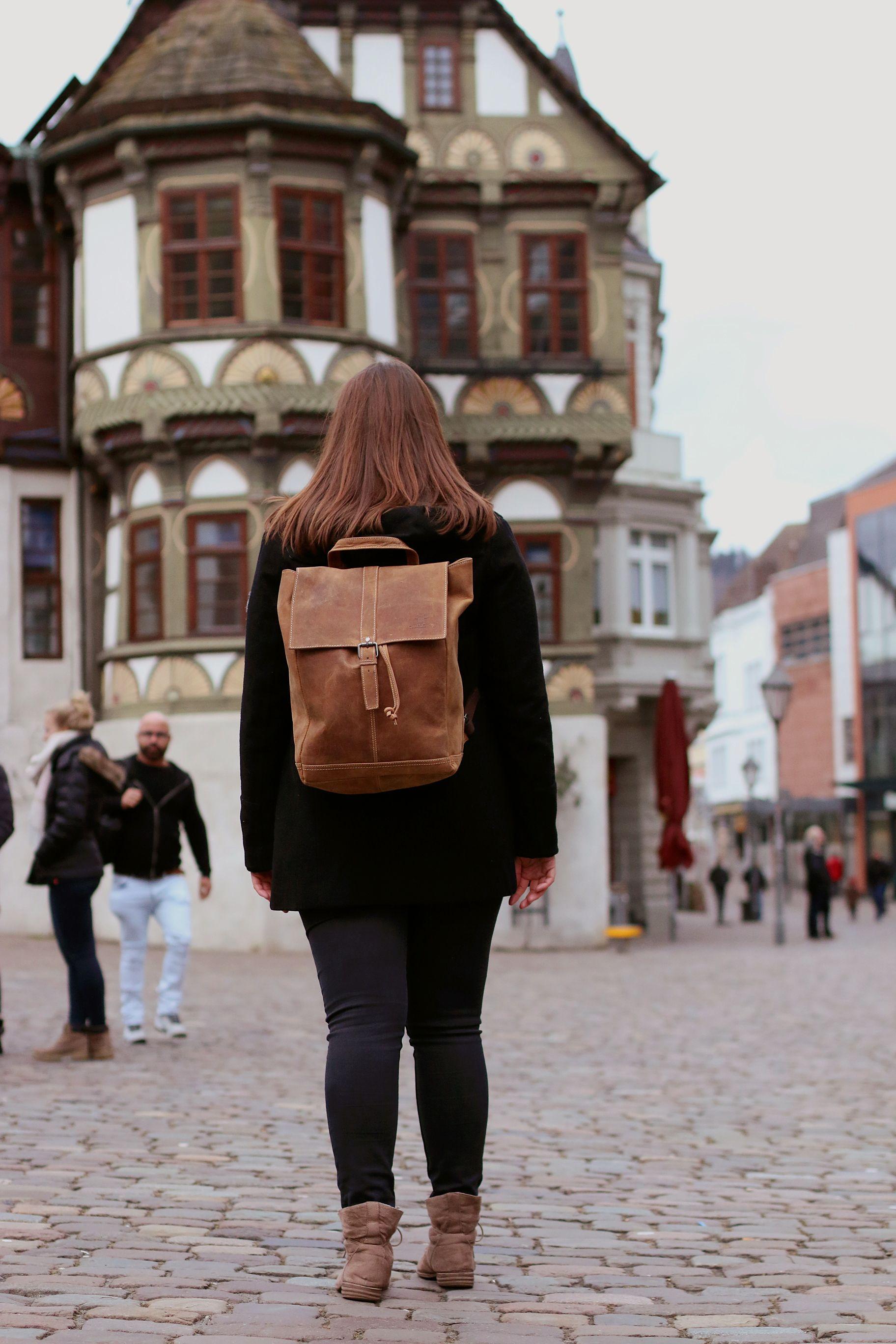 """Dem entspannten Ausflug in die Stadt oder der nächsten Wandertour steht nichts mehr im Weg, denn """"Jaime"""" wird Dich komfortabel und stylisch überallhin begleiten. - Gusti Leder - 2M21-20-1wp"""