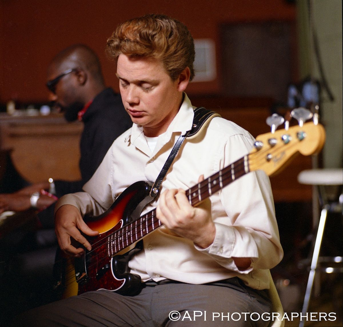 A Young Duck Dunn In The Studio With Isaac Hayes By Api Photographers Guitar For Beginners Music Photo Guitar Tips