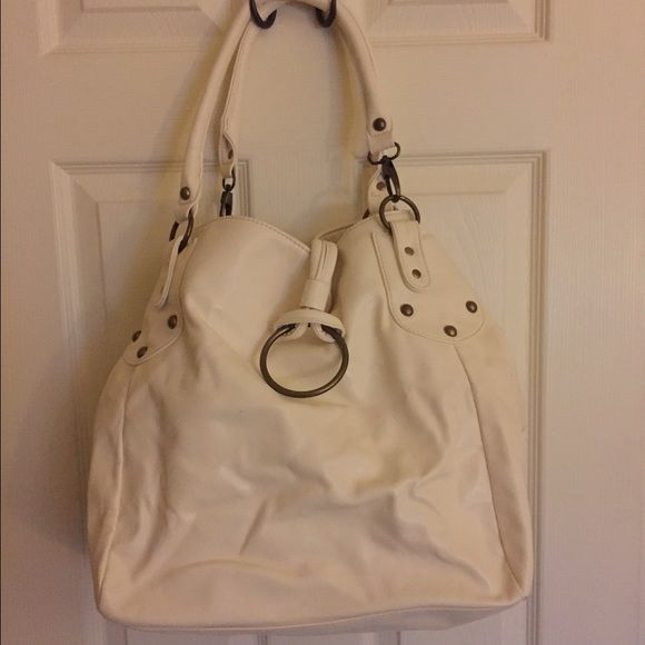 Designer handbag Cream colored Steve Madden extra large hobo bag. Never used. Good condition. Steve Madden Bags Hobos