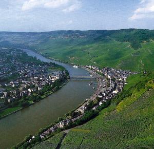 Die Mosel Zwischen Koblenz Und Trier Der Angler Deutsche Landschaft Zander Angeln