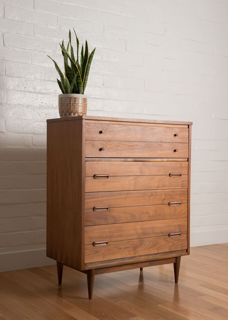 mid century dresser with white wall and wooden floor plus flower vase furniture makeover. Black Bedroom Furniture Sets. Home Design Ideas