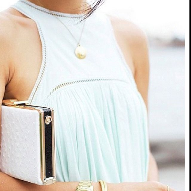 Pale pastel green, white and gold. Summer.