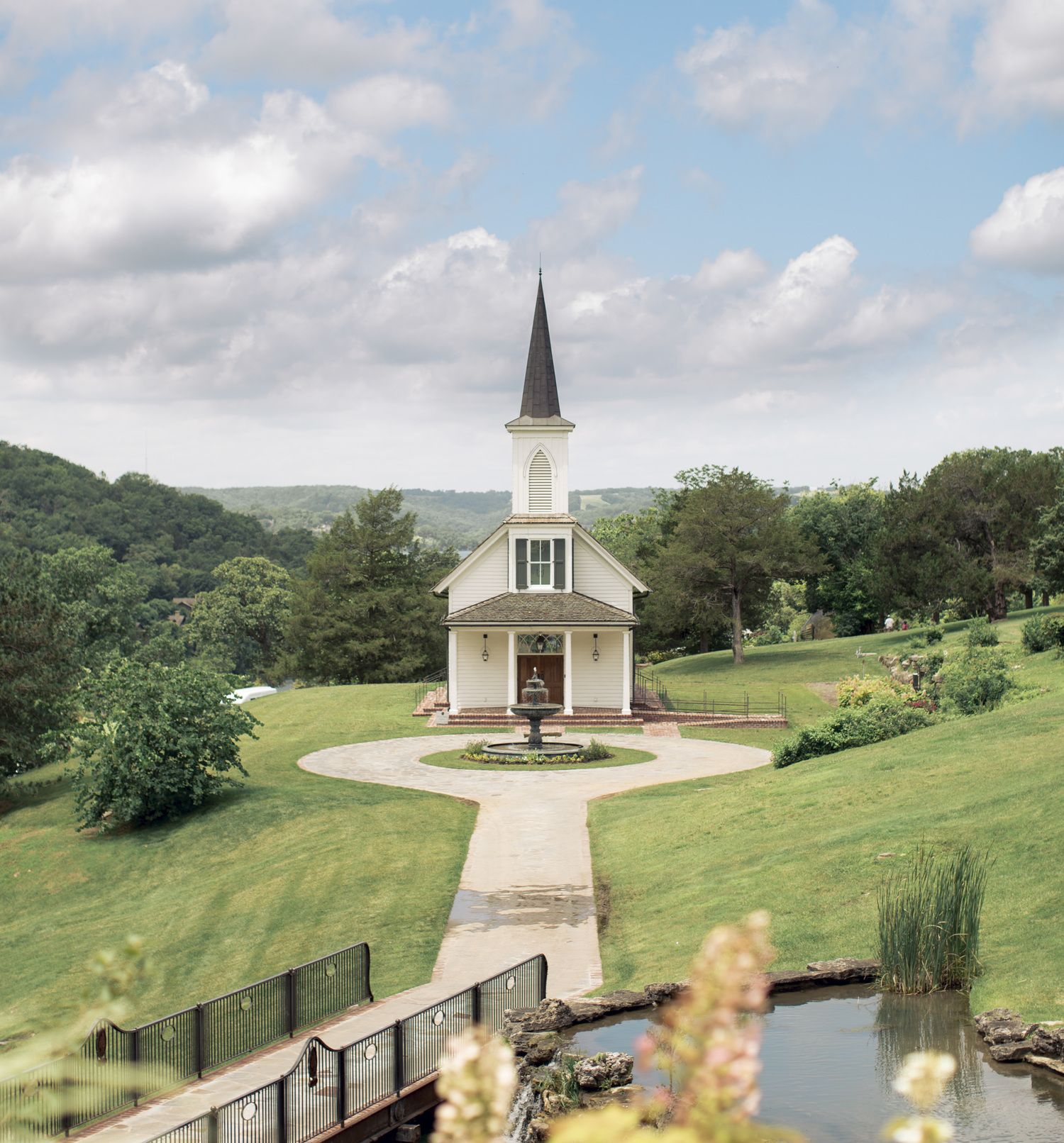 Sheri Holloway Photography S Sheri Holloway Photography Wedding Photographer Branson Mo Wedding Phot Country Church Church Architecture Old Country Churches
