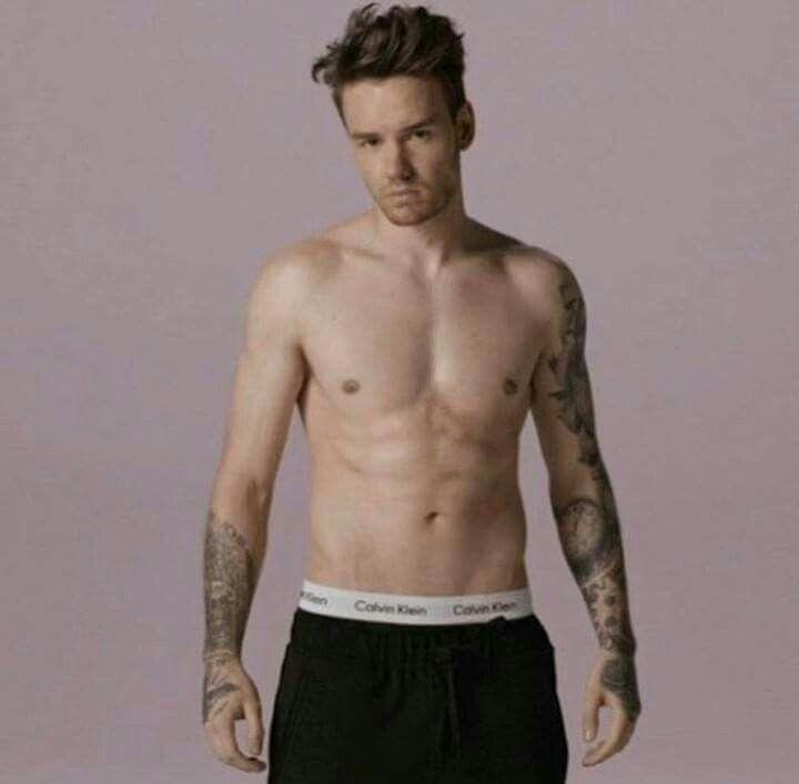 Niall Horan | Celebrities male, Mens tshirts, Celebrities