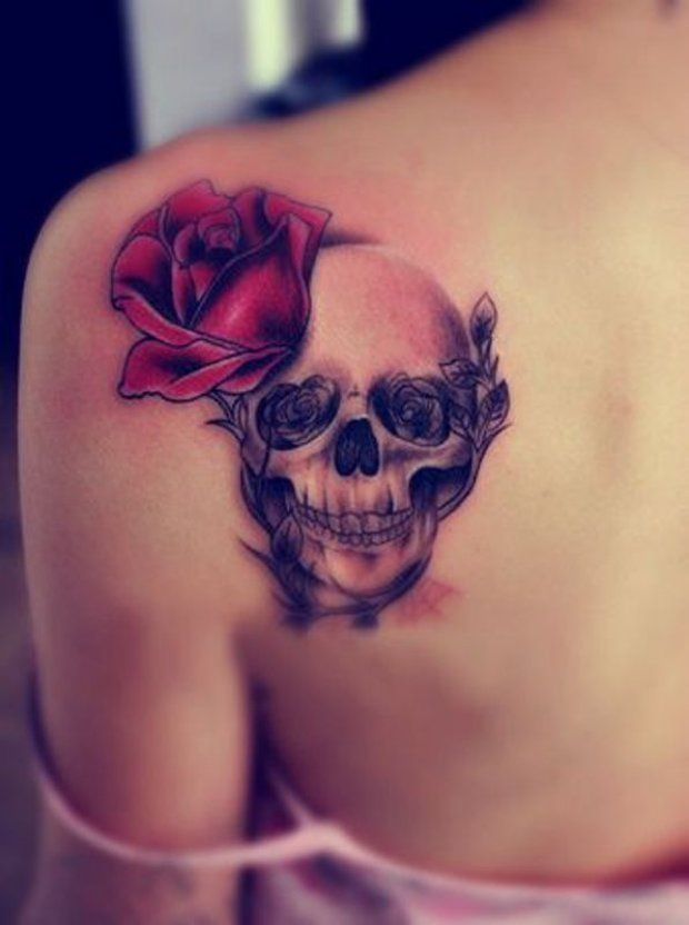 Skull Tattoo Decoated With Red And Black Roses Skull Rose Tattoos Pretty Skull Tattoos Skull Tattoo Design