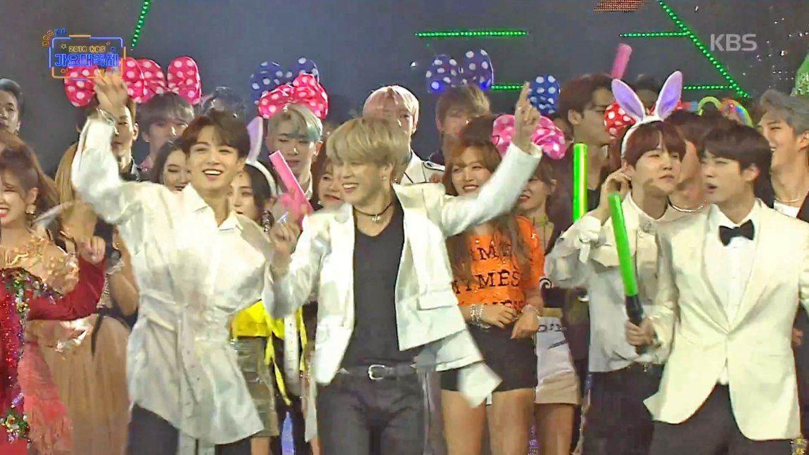 Bts Became Backup Dancers For Kim Yeon Ja S Amor Fati On The Final Stage Of The 2018 Kbs Song Festival Hab Korea Net Songs Bts Seoul Music Awards