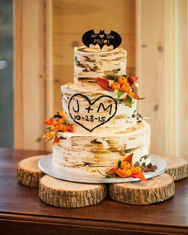 Rustic-Mountain-Wedding-cake-batman.jpg (600×750) | wedding ...