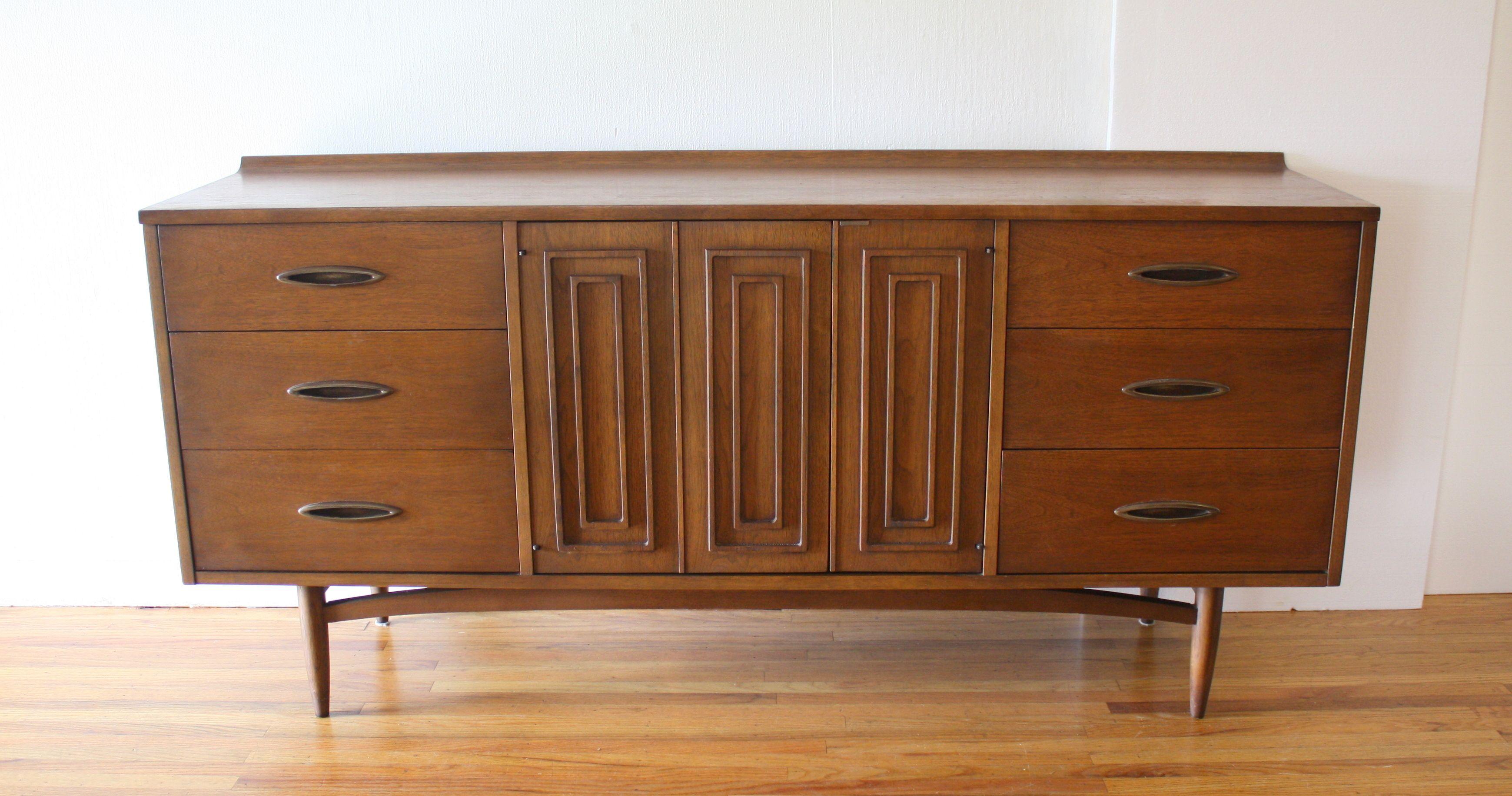 Best Mid Century Modern Broyhill Sculptra Low Dresser Credenza 640 x 480