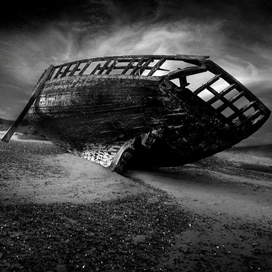 Well this is one way to get the titanic out drain the ocean · black white photographydream