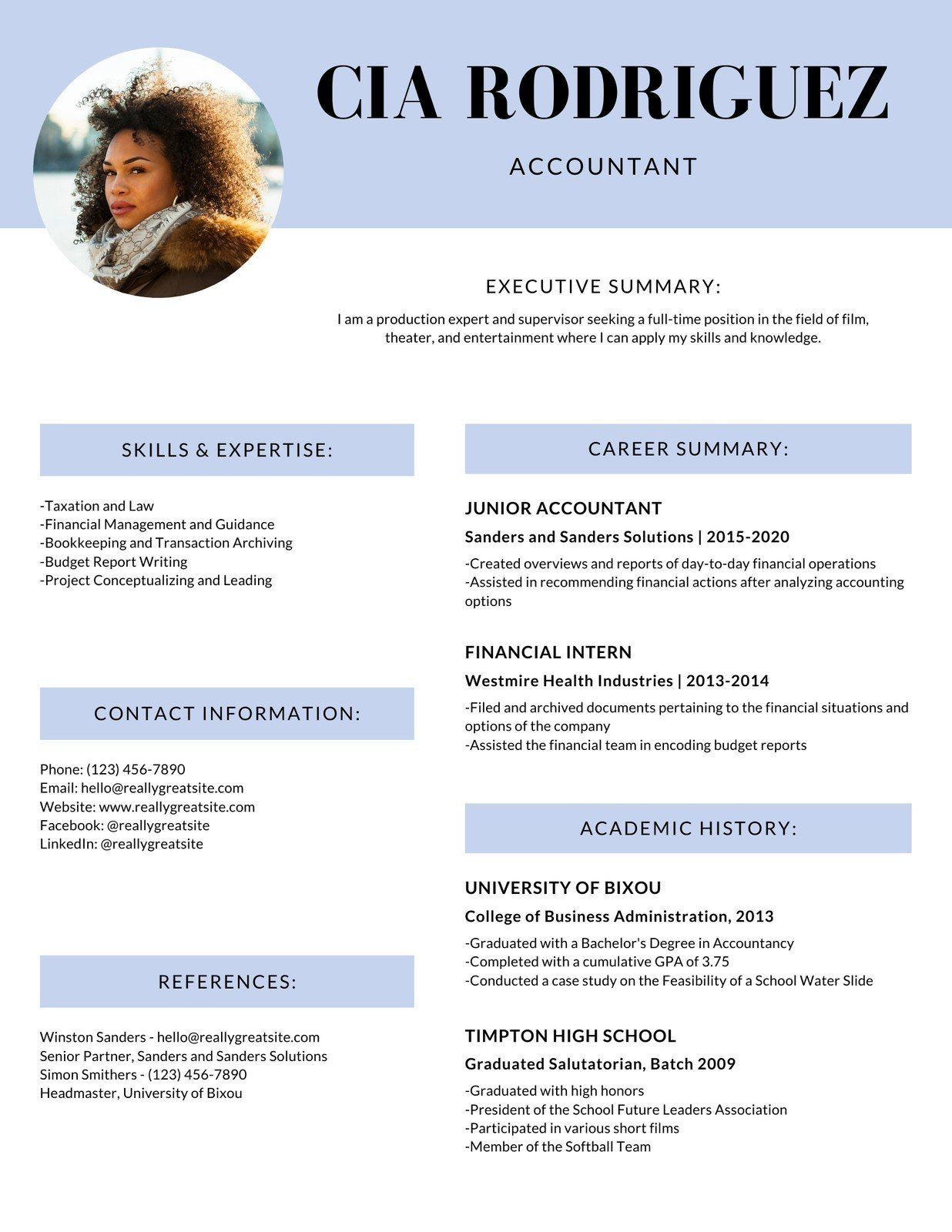 Lilac Simple Modern Accountant Corporate Resume