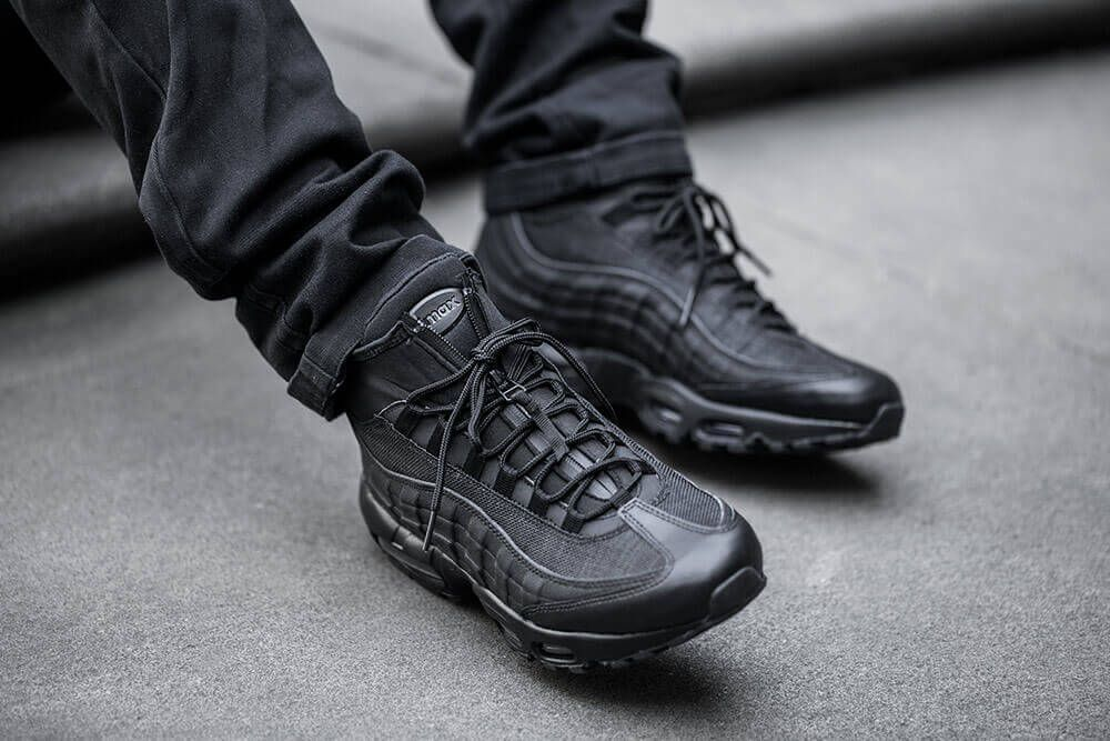 2016 Nike Air Max 95 SneakerBoot Triple Black Shoes Size 8 (806809 002) Used! | eBay