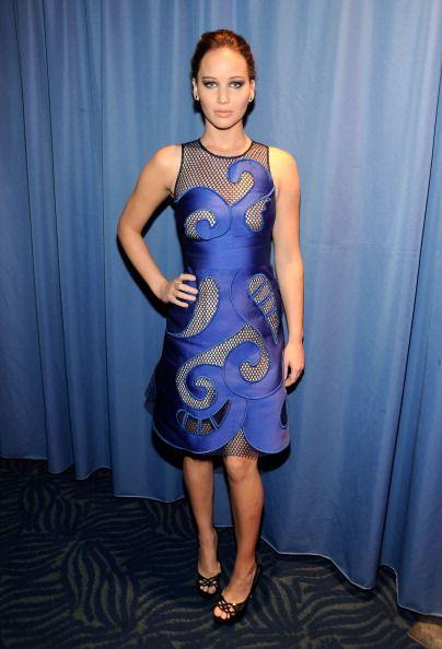 Jennifer Lawrence - Faça como as celebridades e aposte no azul klein   http   abr.io 2mKW Fotos GETTY 39e1904a44