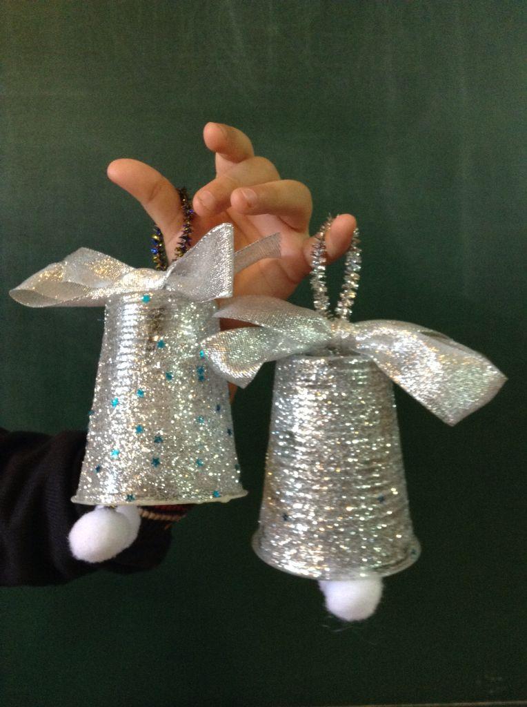 campanitas para el rbol de navidad realizadas con vasos