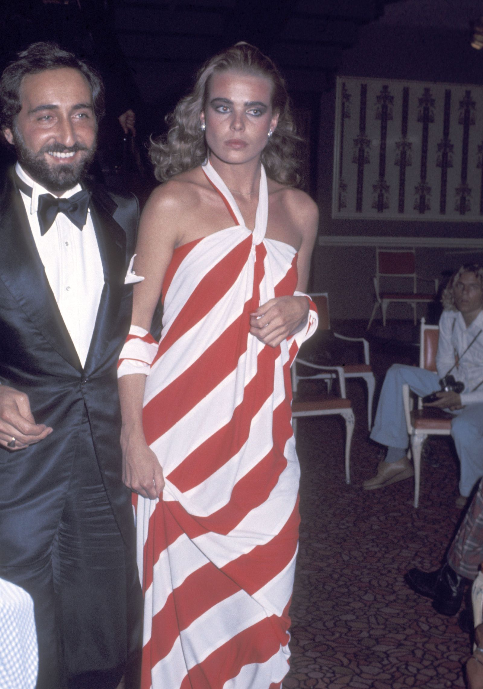 Here S The Red Carpet Look People Obsessed Over The Year You Were Born Margaux Hemingway Iconic Dresses Red Carpet Looks