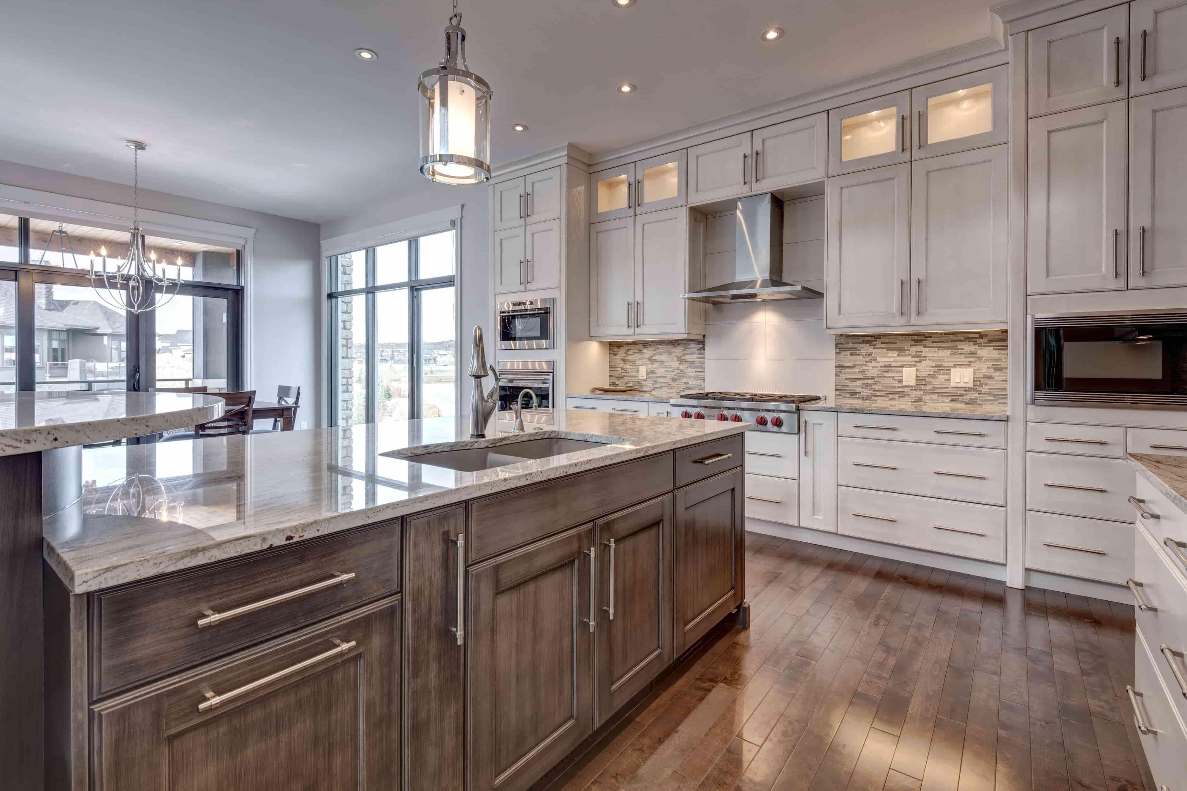 Luxor 220 Waterside Court Kitchen 3 Min Kitchen Kitchen Cabinets Luxury Homes