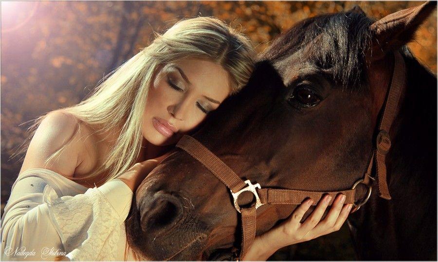 Видео секса девочки с конем