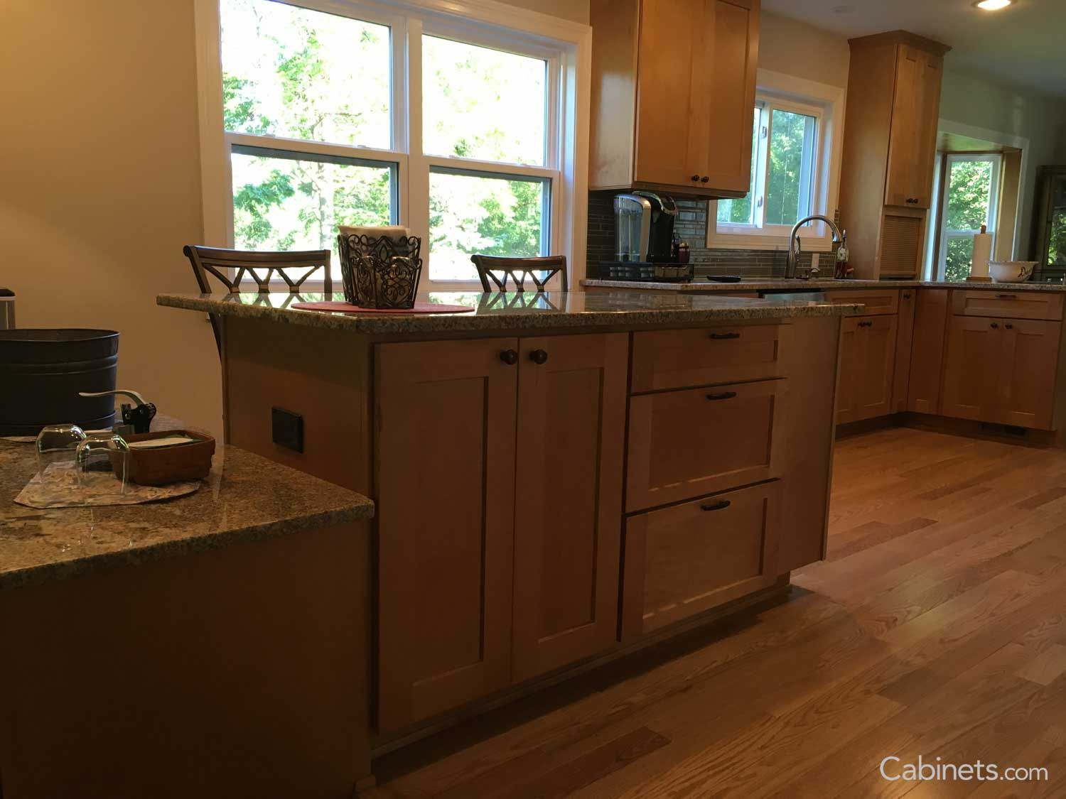 Shaker Ii Maple Toffee Maple Kitchen Cabinets Kitchen Cabinets Maple Kitchen