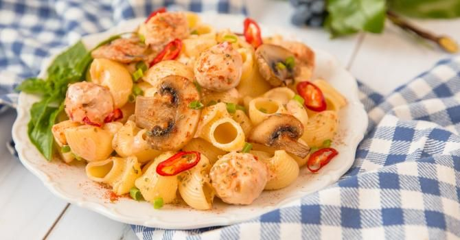 Pâtes légères au poulet, piment et paprika