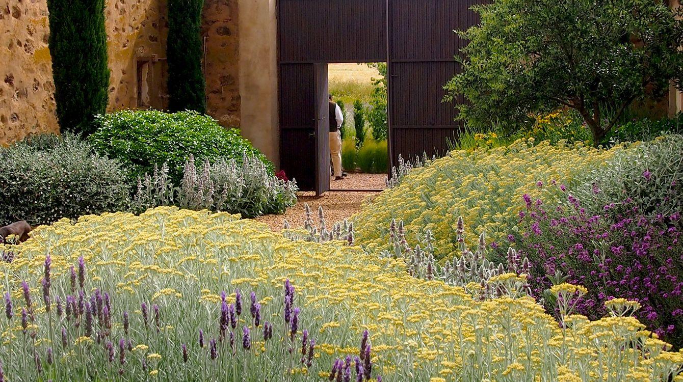 Urquijo kastner es un estudio de paisajismo y dise o de for Diseno de jardines madrid