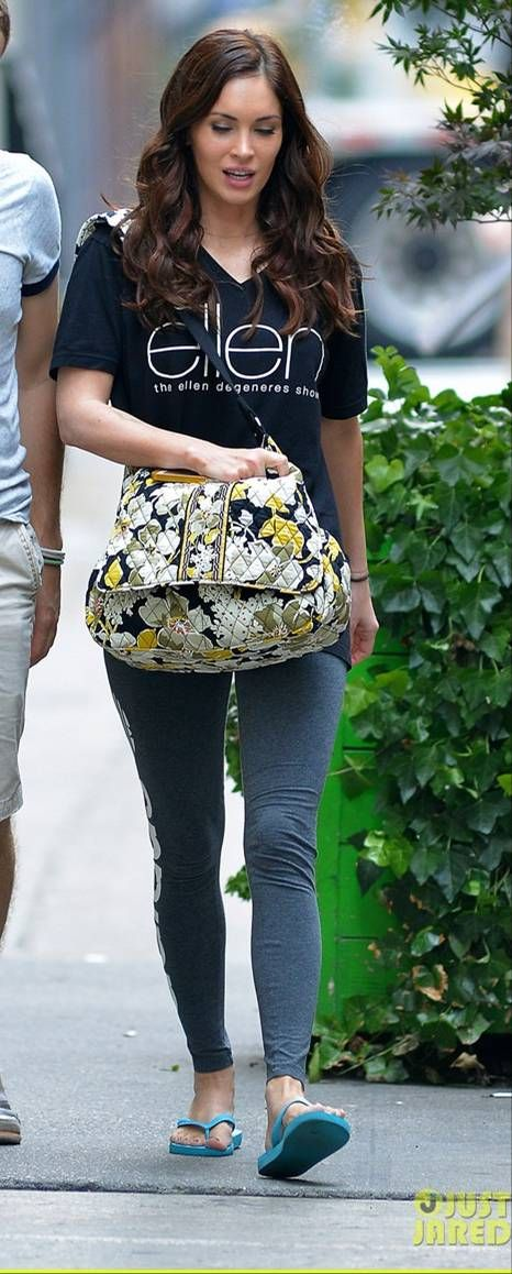 7d283424 SPOTTED: Megan Fox in one of her many pairs of Top flip flops ...