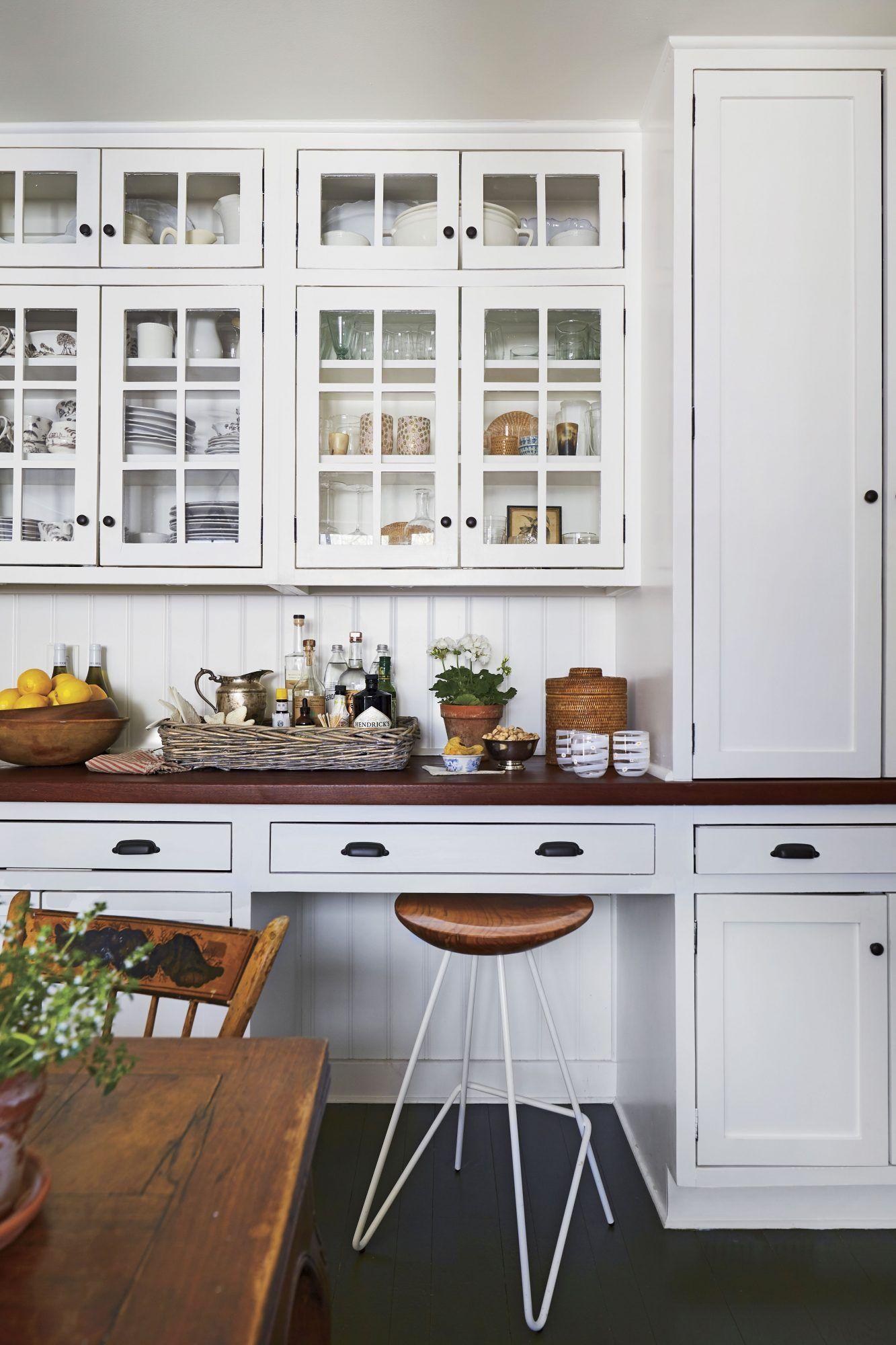 45 Farmhouse Decor Ideas For Your Southern Home White Cabinetry Farmhouse Kitchen Kitchen Design