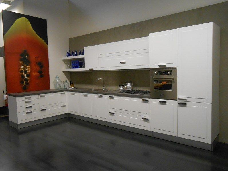 Cucina bianca moderna ad angolo Vela quadra Dada in offerta ...