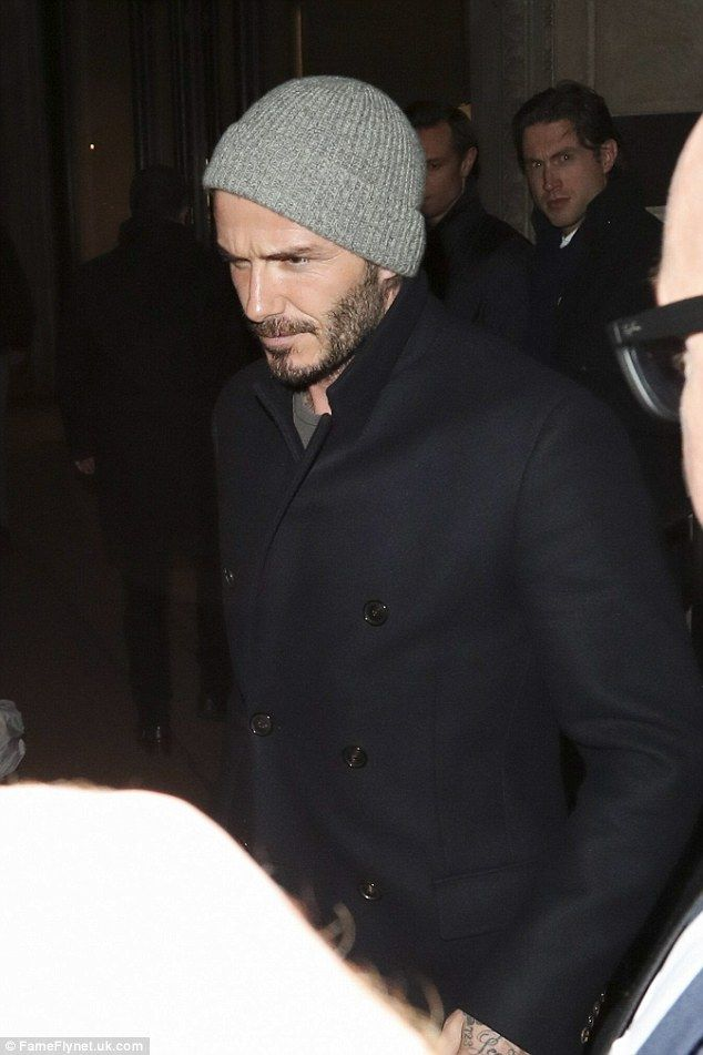 3fe782c7317 Change it up  Yet David Beckham hung up his apron for the evening as he  headed to London s plush Gymkhana restaurant for a bit to eat while going  super low- ...