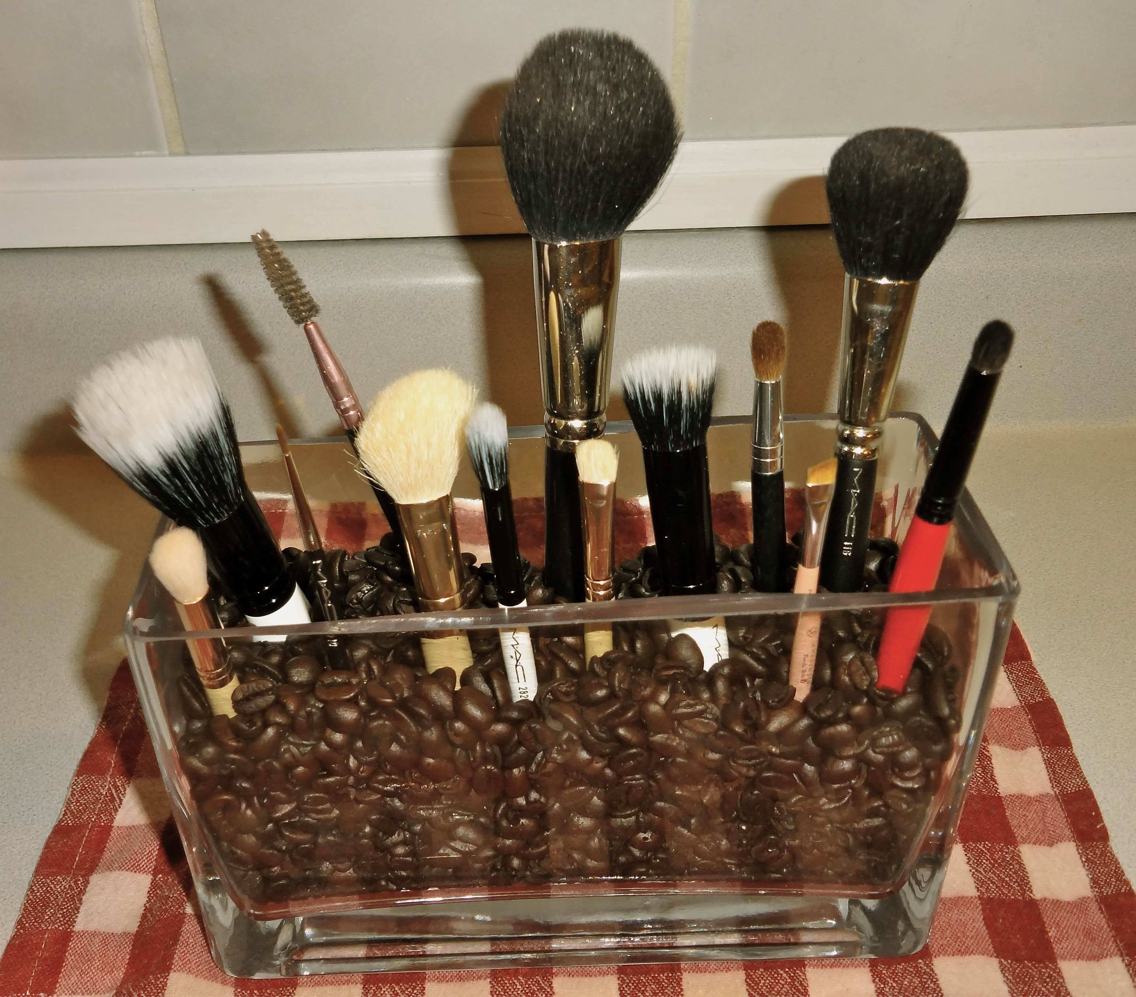 Check Out Some Makeup Storage Ideas, Make Organization Tips, Some Makeup  Organizers And Some Makeup Organizer Ideas. If Youu0027re Looking For Some  Beauty ...