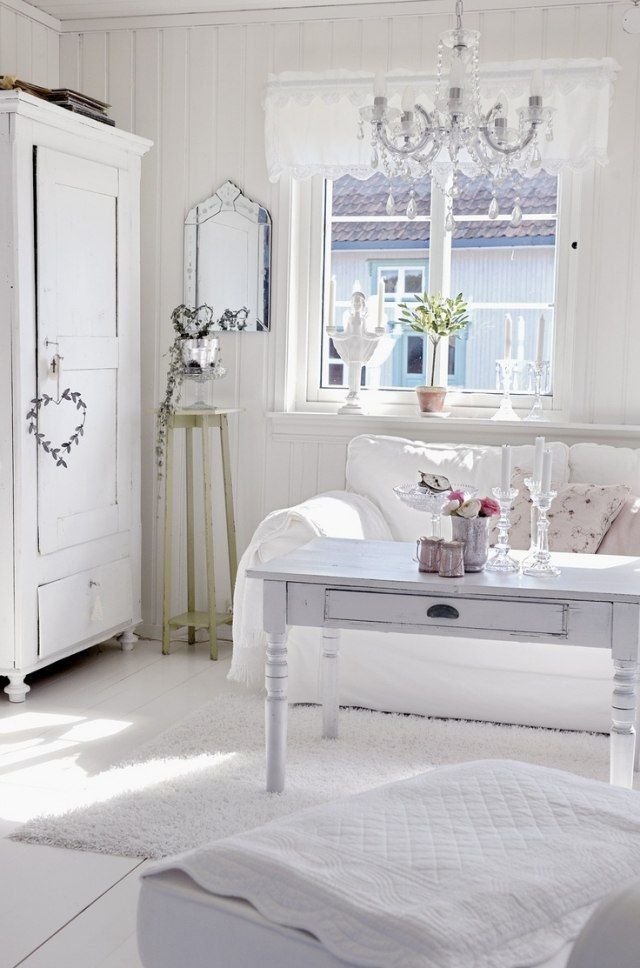 schlafzimmer ideen gestaltung shabby chic weiße möbel kronleuchter ... - Wohnzimmer Ideen Shabby Chic