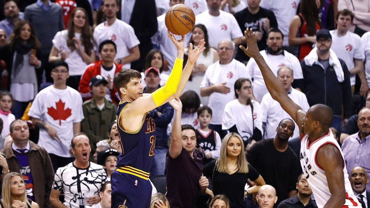 Kyle Korver Shines Off Bench For Cavaliers Kyle Korver Cavalier Cleveland Cavaliers