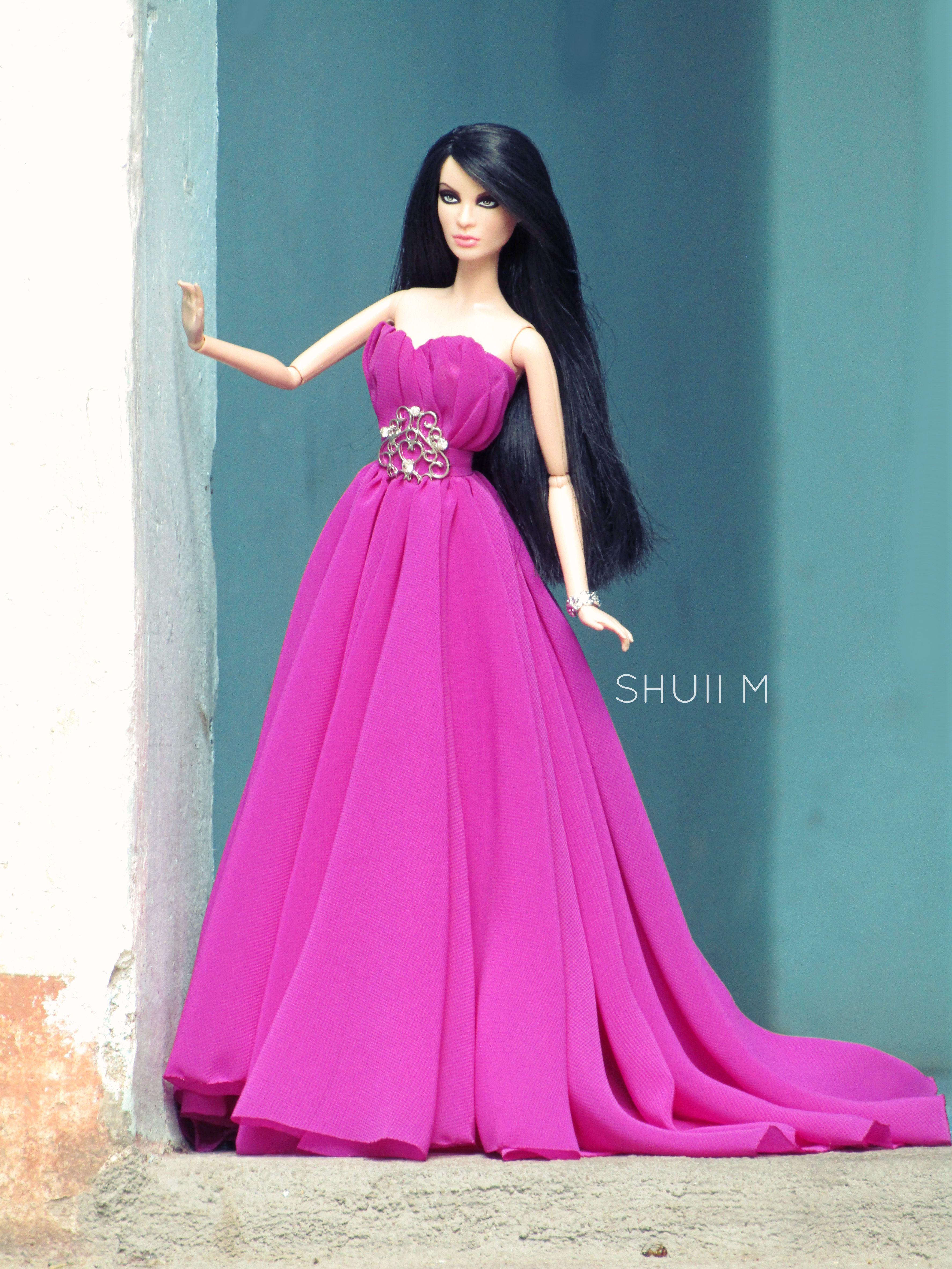 12.23.2/ #barbiesanddolls #eveninggowns Jesus Medina | Barbie ...
