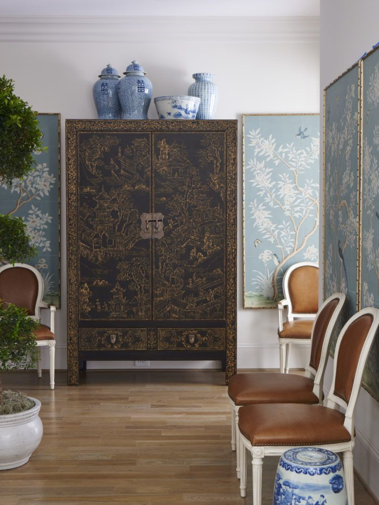Mark D Sikes A Beautiful E Featuring Framed Chinoiserie Panels Collection Of Blue