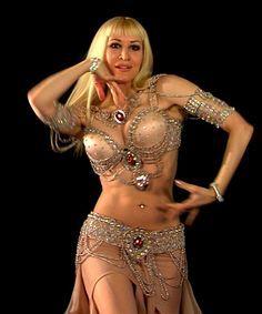 nude Belly dancers