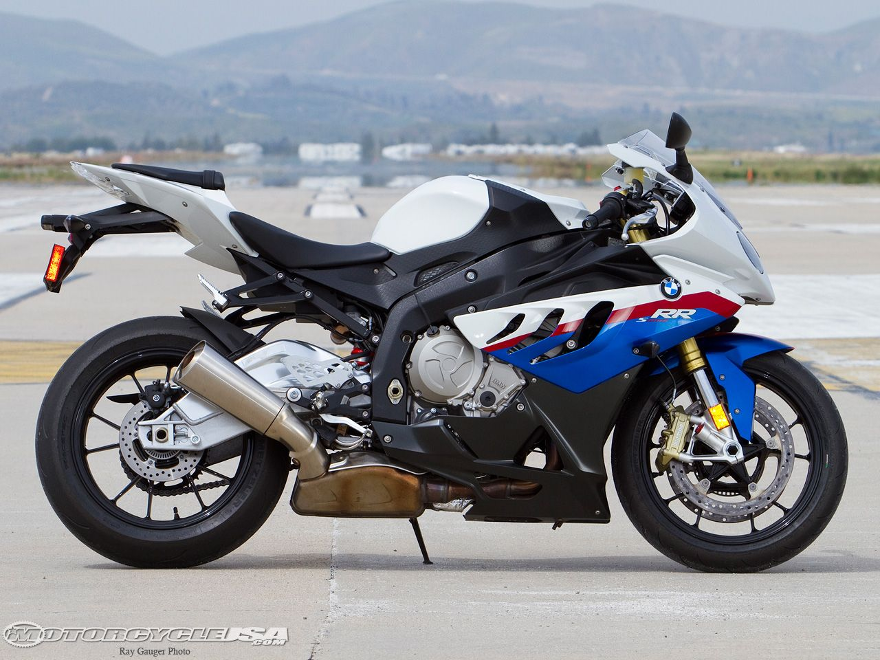 akrapovic bmw s1000rr full exhaust system amazing sound bx48 moto bmw s1000rr pinterest. Black Bedroom Furniture Sets. Home Design Ideas