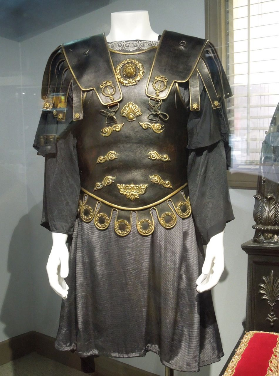 Hollywood Movie Costumes and Props Gladiator Original film costumes and props on display & Hollywood Movie Costumes and Props: Gladiator Original film costumes ...